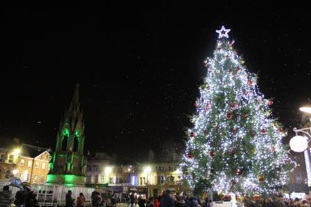 Photo of the Christmas tree in Mansfield town centre