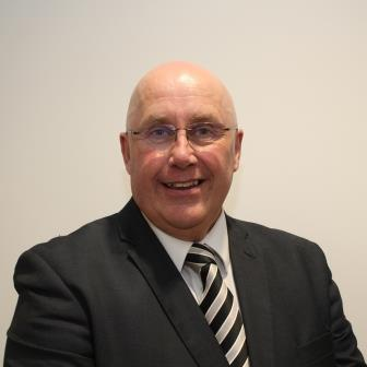 Photo of Councillor Mick Barton